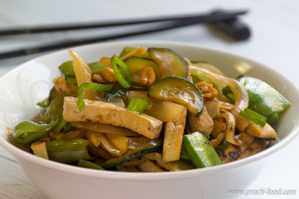 טופו מוקפץ עם ירקות (או Kung Pao Tofu)
