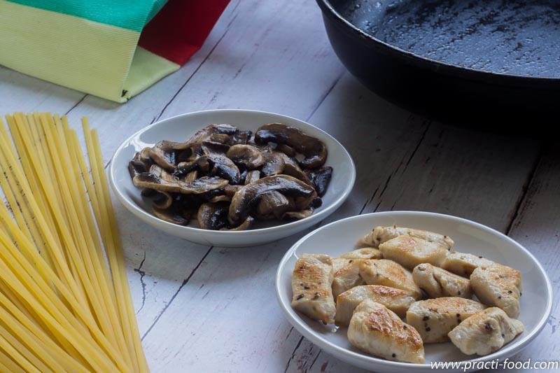 פסטה ביגבניות עוף ופטריות