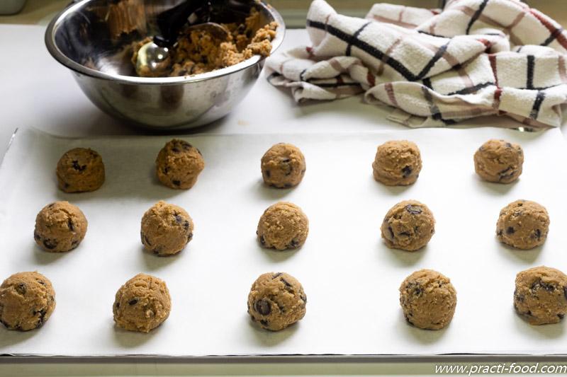 עוגיות שוקולד צ'יפס לפני